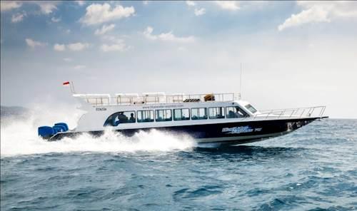 bali-gili-ferry-blue-watter-express7.jpg