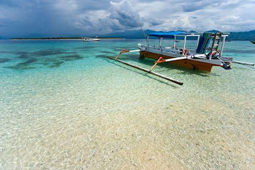 Gili T boat on a beach