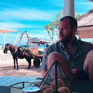 Marc Jungers  - Good and fast service. And the staff is friendly. I can just recommend it if you want to go to Gili
